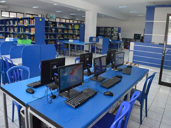 ruang komputer Masoem University